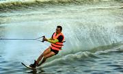 Sông Hàn sôi động trong màn trình diễn lướt ván